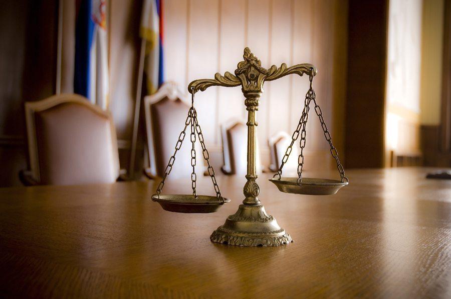 """bigstock Decorative Scales Of Justice 34000982 - ¿Cómo la """"Responsabilidad Estricta"""" Afecta Los Casos de Responsabilidad de Productos en Texas?"""