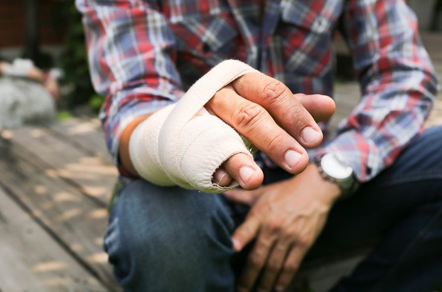 How Are Settlements Determined for Broken Bones After a Car Accident in Texas?
